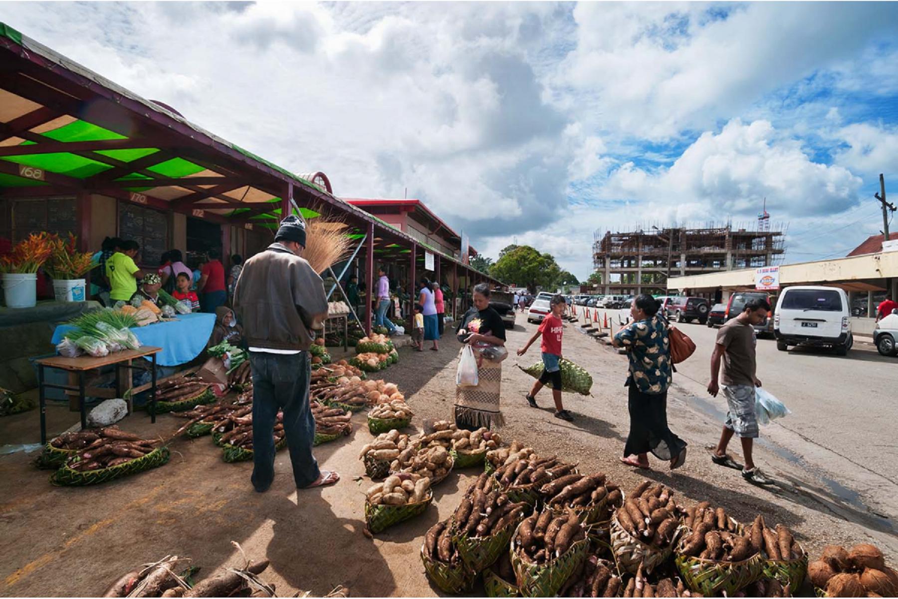 ilha tonga ruas carros comercios