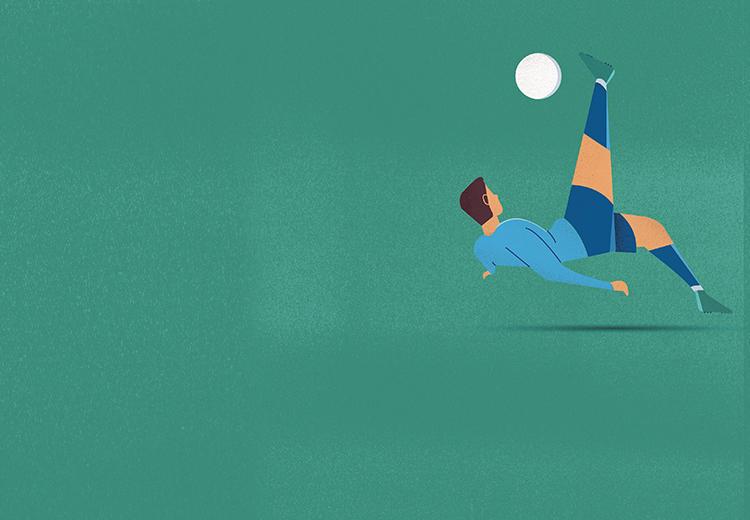 homem chutando bola de futebol e caindo de costas.