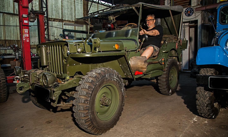 Jeep em zona de guerra